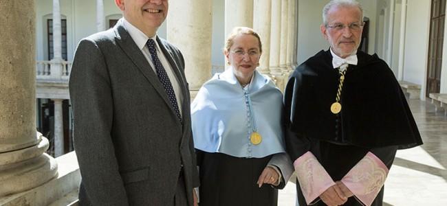 Amelia Valcárcel, investida doctora honoris causa por la Universidad de Valencia